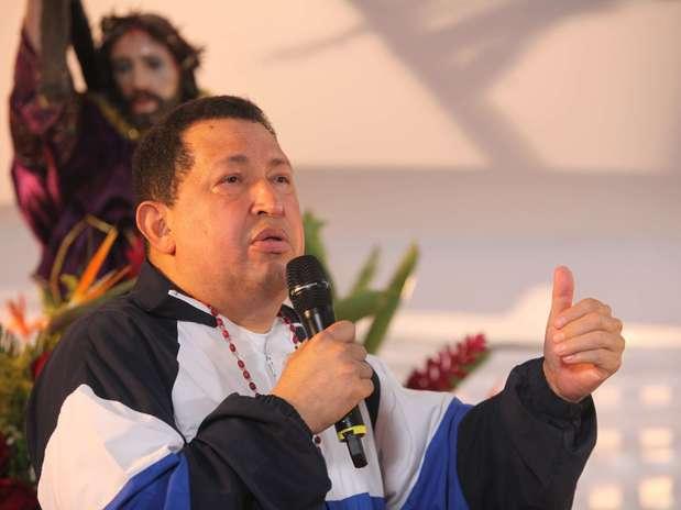 http://p1.trrsf.com/image/fget/cf/67/51/images.terra.com/2012/12/09/chavez-cancer-3.jpg