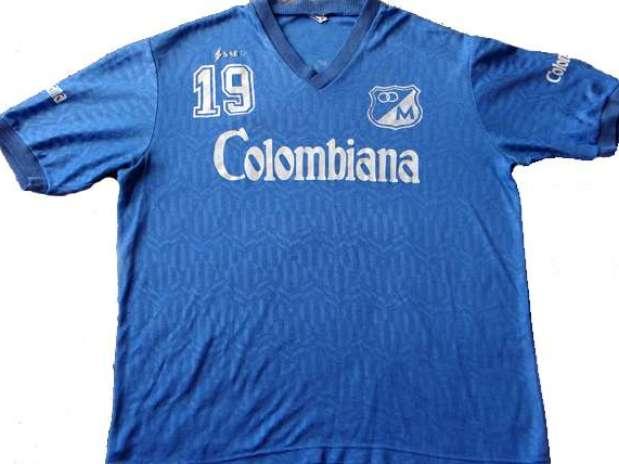http://p1.trrsf.com/image/fget/cf/67/51/images.terra.com/2013/01/24/camisetagaleria192millonarios.jpg