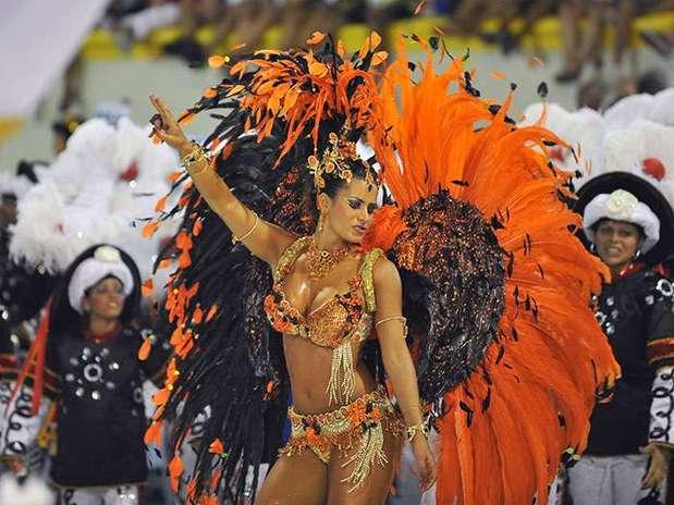 http://p1.trrsf.com/image/fget/cf/67/51/images.terra.com/2013/02/11/brasil-samba-3.jpg