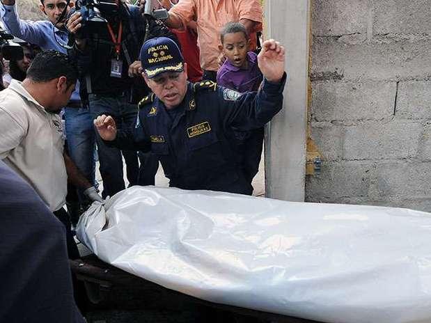 http://p1.trrsf.com/image/fget/cf/67/51/images.terra.com/2013/03/01/honduras-violence-1.jpg