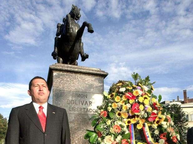 http://p1.trrsf.com/image/fget/cf/67/51/images.terra.com/2013/03/06/1chavezbolivarbelgica2001afp.jpg
