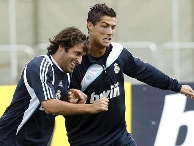 Raúl y Cristiano cuando jugaban en el Madrid Foto: Terra