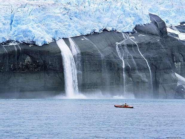 http://p1.trrsf.com/image/fget/cf/67/51/images.terra.com/2013/05/19/derretimiento-glaciar-1.jpg