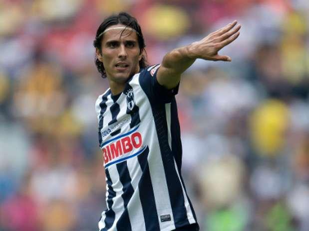 Aldo De Nigris tendrá que pelear un lugar con Miguel Sabah y Rafael Márquez en Chivas Foto: Mexsport