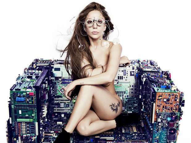 """Lady Gaga posó encuerada en una imagen promocional de su próximo álbum """"ARTPOP"""". Foto: Twitter/Lady Gaga"""