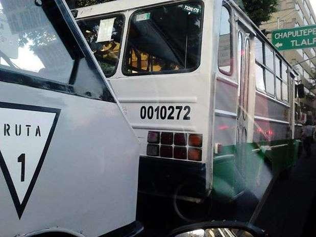 Para transporte público colectivo de pasajeros local y metropolitano, así como público, privado y mercantil de carga, se deberá ingresar a la página www.revista.setravi.df.gob.mx Foto: Setravi_DF / Tomada de Facebook