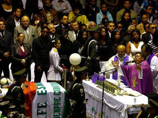 http://p1.trrsf.com/image/fget/cf/67/51/images.terra.com/2013/08/03/funeralbenitez3-1.jpg