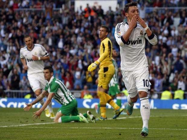 Ozil estará en el once inicial de Ancelotti en su estreno en el Bernabéu. Foto: EFE en español