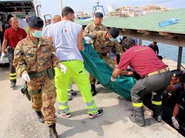 Naufragio  de inmigrantes deja centenar de muertos Foto: EFE
