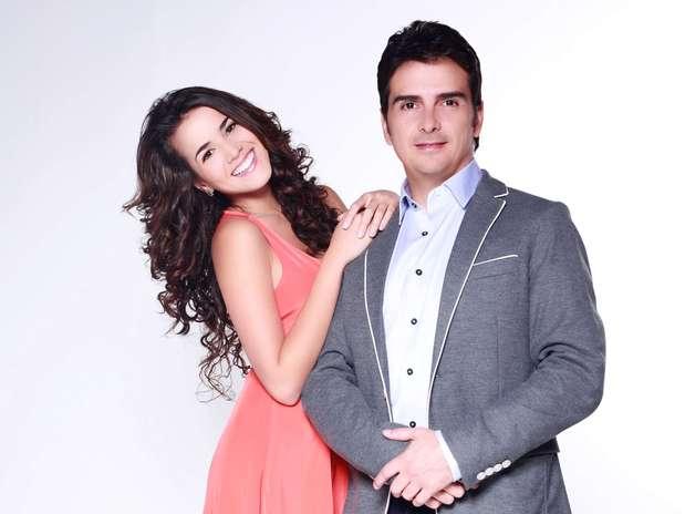 Laura de León y Carlos Camacho protagonizan 'La playita'. Foto: Prensa