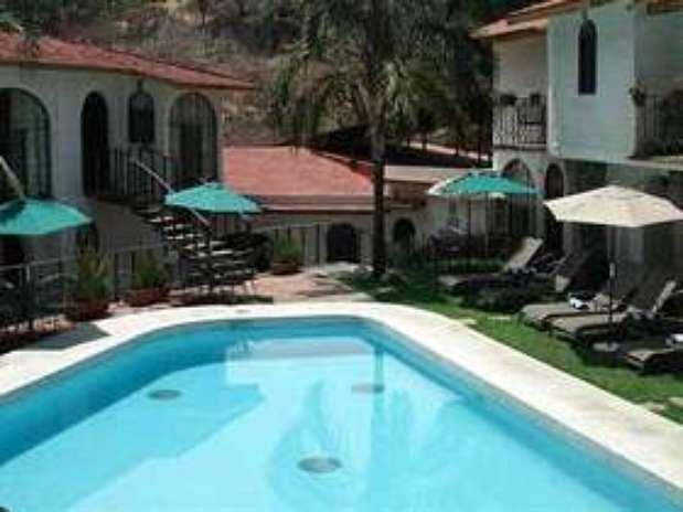 Hoteles en cuernavaca por ubicaci n servicios y precios for Piscina 29 de abril telefono