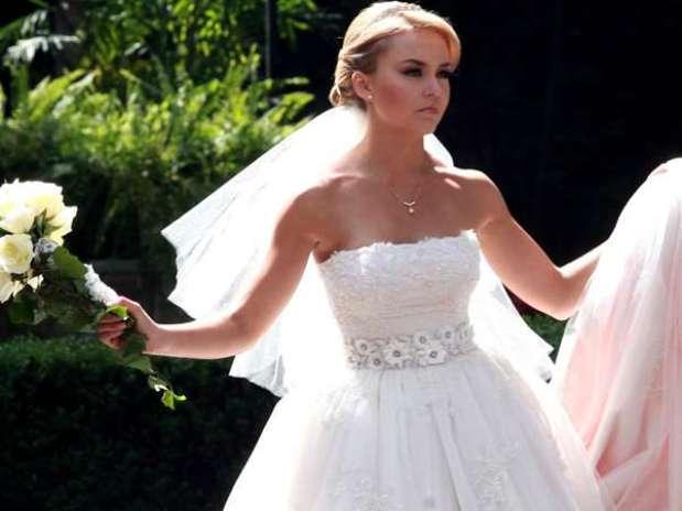 angelique boyer vive en amargura tras boda en telenovela - people