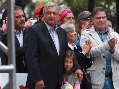 """""""Podemos impedir privatización y aumento de impuestos"""", afirmó AMLOdurante el mitin de Morena. Foto: Terra"""