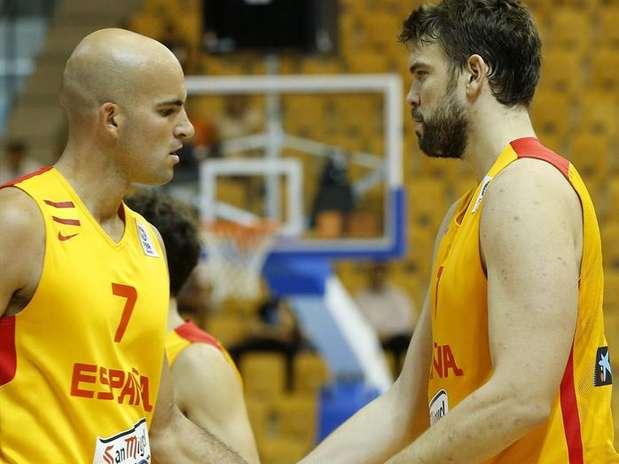 Los jugadores de España Marc Gasol y Xavier Rey. Foto: EFE en español