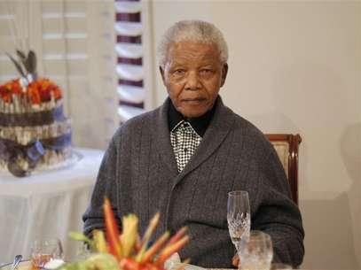 El ex presidente sudafricano Nelson Mandela, de 94 años, continúa hospitalizado Foto: Siphiwe Sibeko / Reuters