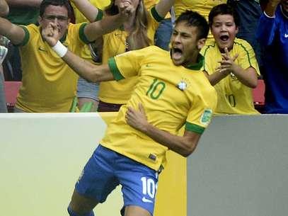 Neymar celebra tras abrir el marcador ante Japón. Foto: Ricardo Matsukawa/Terra