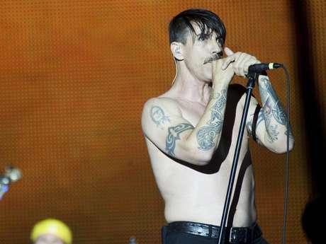 Red Hot Chili Peppers siguen prendiendo a los asistentes a los festivales musicales. La banda se presentó en el Festival Rock in Rio 2012 en Madrid, España a principios de julio. Foto: Clasos