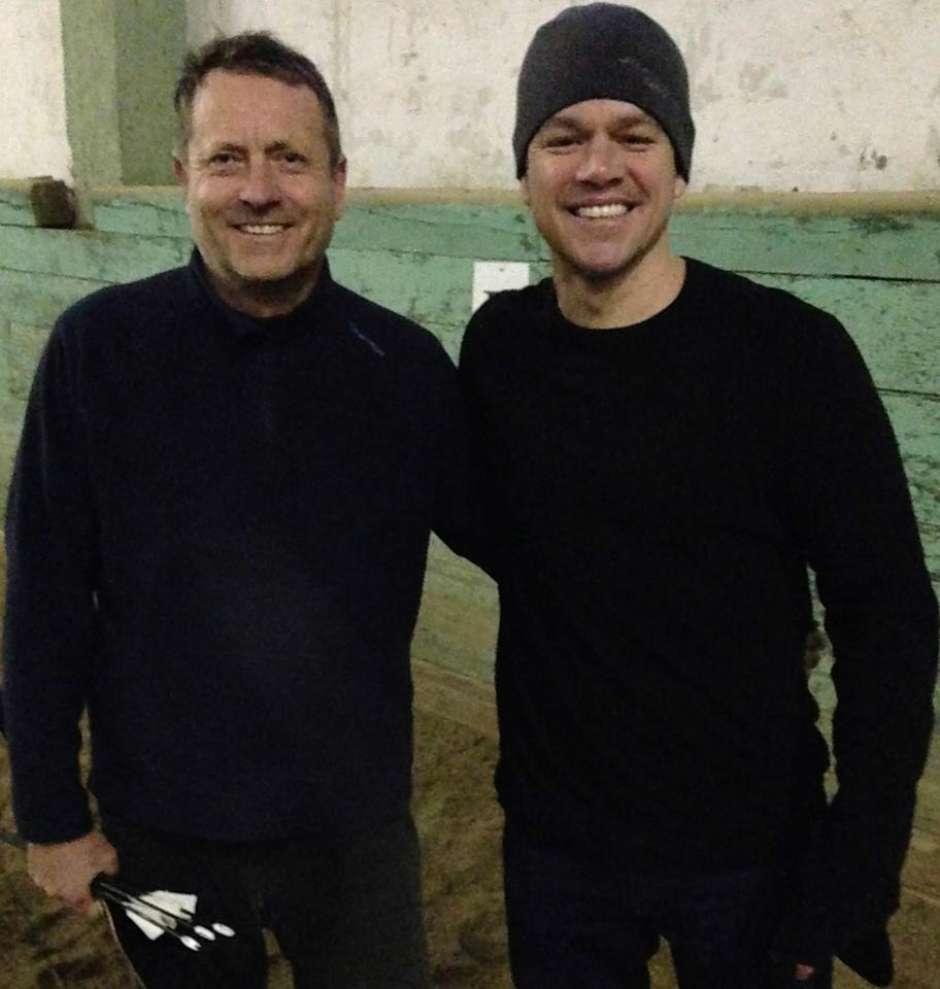 Matt Damon aprende el tiro de arco en Hungría