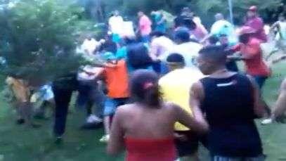 SP: homem é agredido e adolescentes apreendidos em 'rolezinho'