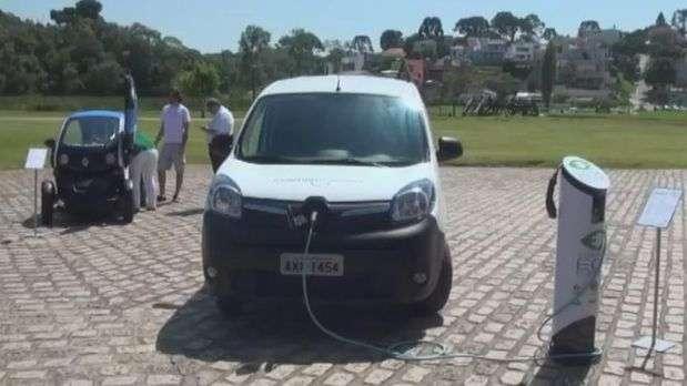 Curitiba adota carros elétricos para frota pública
