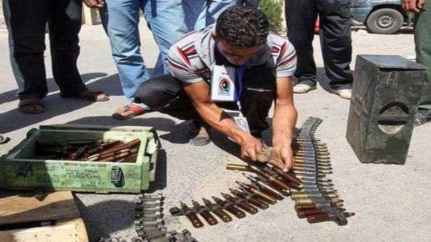 Las ONG alertan del riesgo de que grupos terroristas se apoderen de los arsenales de armas gadafistas