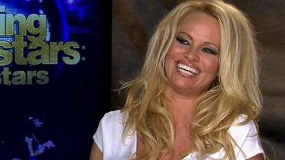 Dancing with the Stars: Pamela Anderson's uncomfortable positions