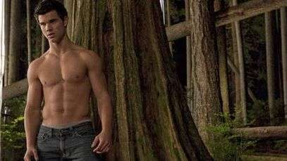 Taylor Lautner talks going shirtless for 'Twilight'