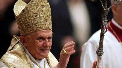 Víctimas de pederastia critican silencio papal en México