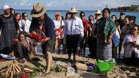Sabios mayas celebran ritual en los mares de Cuba