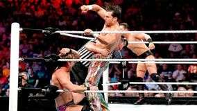 The Miz y Chris Jericho se imponen a Wade Barrett y Fandango