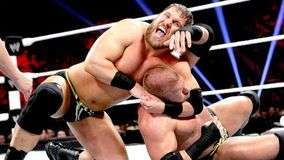 Curtis Axel alarga la agon&#237;a de Triple H